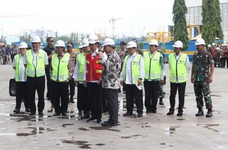 Kunjungi PT. PAL, Panglima TNI Dampingi Presiden ke Surabaya