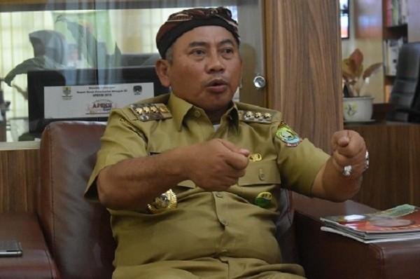 Viral, Walikota Bekasi Minta Polisi Tangkap Pria Onani Dibawah JPO