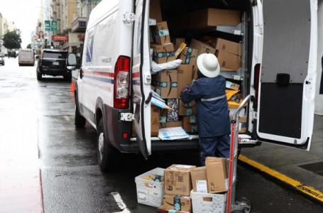 Layanan Pos di AS Hentikan Pengiriman Paket China dan Hongkong