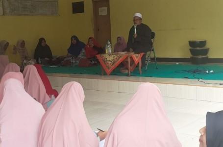 25 Majelis Tak'lim di Bekasi, Rutin Hadiri Pengajian Desa Karangraharja
