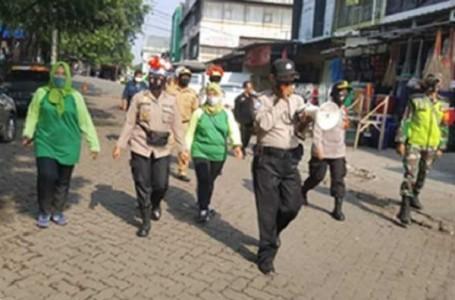 Berkerumun Lewat Jam 23.00 WIB Akan Dibubarkan Polres Metro Bekasi
