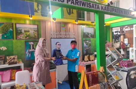 "Dinas Pariwisata Kabupaten Bekasi Raih Juara I di ""Ide Craft"" Bandung"