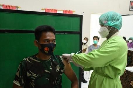 Tenaga Kesehatan Kodam IV Menerima Vaksinasi Tahap Pertama