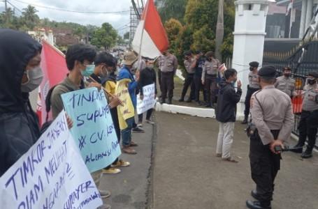 Bantuan Non Tunai Bermasalah, Mahasiswa Demo Kejari Pandeglang