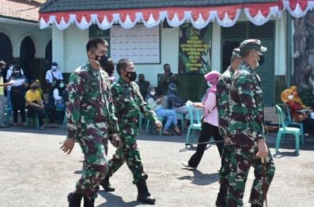 Kolonel Irwan Subekti Tinjau Pelaksanaan Vaksinasi di Kodim Pasuruan