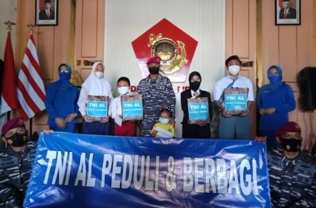 Peringati HUT Ke-76 TNI AL, Korps Marinir Gelar Kegiatan Sosial